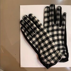 Women's Gloves Black and White Houndstooth Check